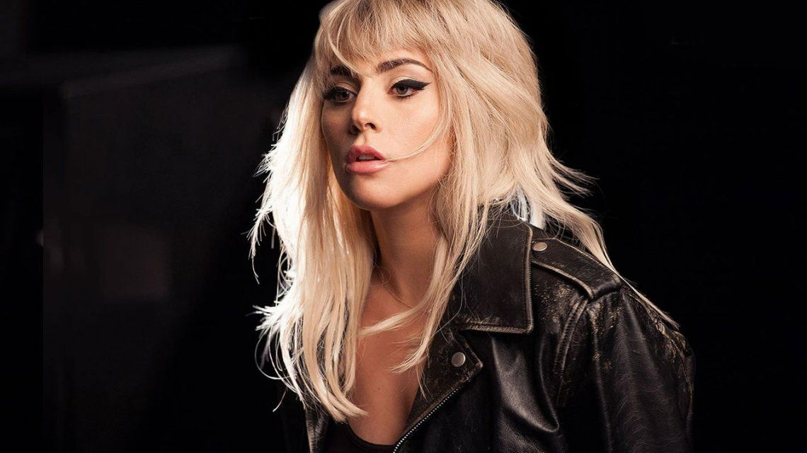 photo Lady Gaga Taken to the Hospital in SeverePain