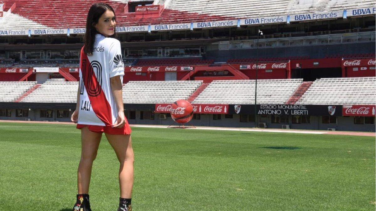 Lali Espósito cumplió su sueño: en el Monumental con la 10 de River