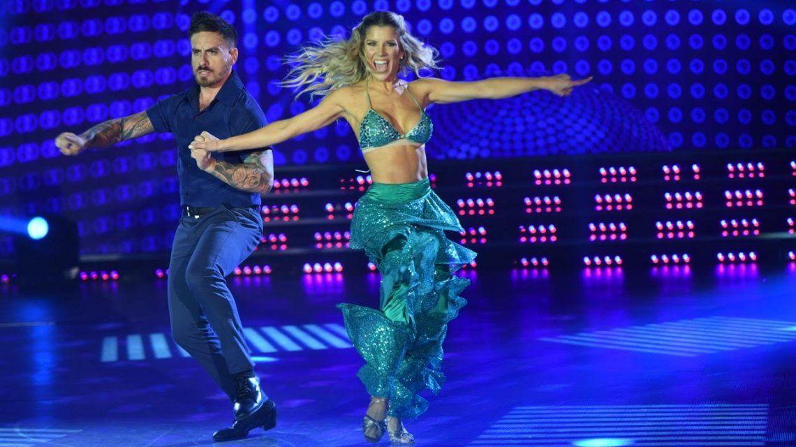 Fede Bal y Laurita Fernández bailando música disco