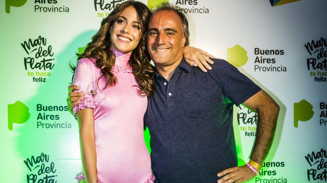 Tini Stoessel junto a Conejo Gómez