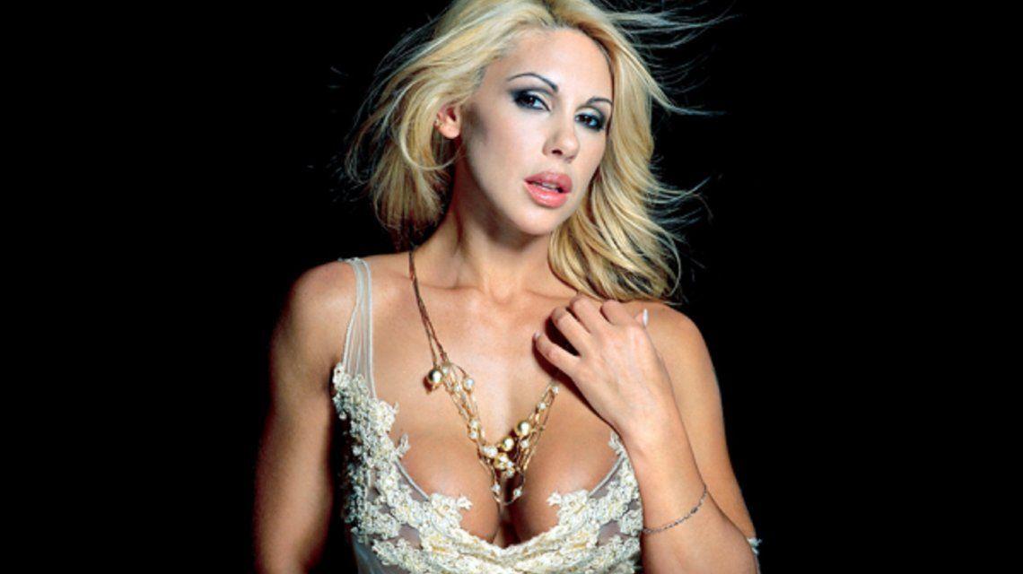 Mónica Farro, enojada con todos luego de que Instagram censurara sus fotos desnuda
