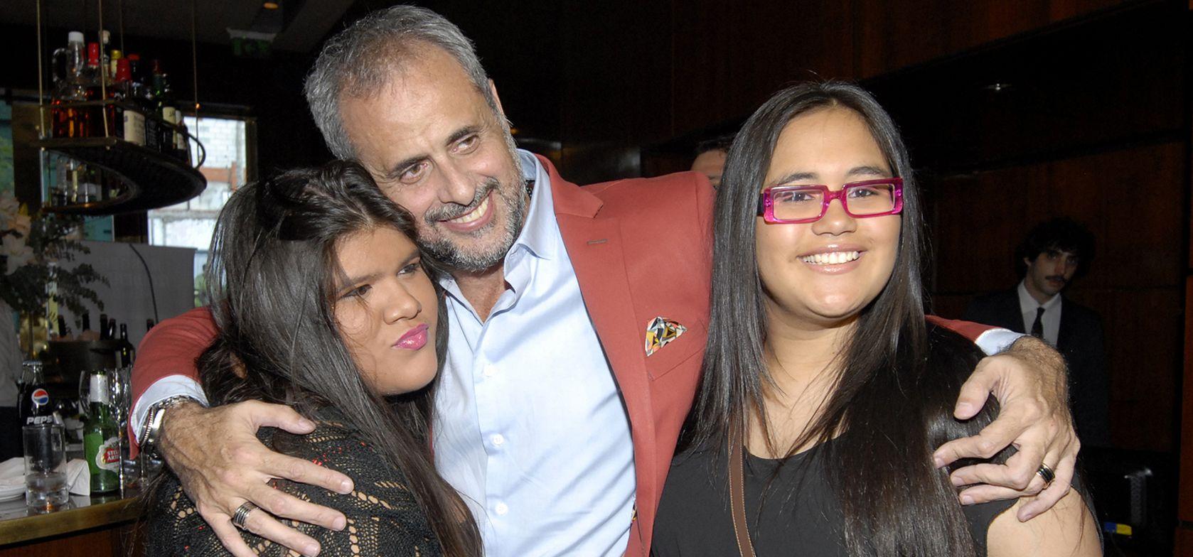 Jorge Rial junto a sus hijas Rocío y Morena