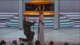 Glenn Weiss le propone matrimonio a su novia