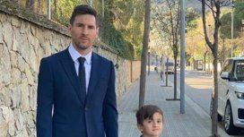 Lionel Messi junto a sus hijos