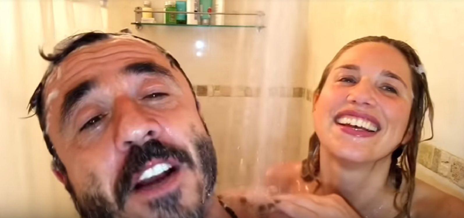 Pablo Granados y Alina Moine se ducharon juntos para una divertida entrevista