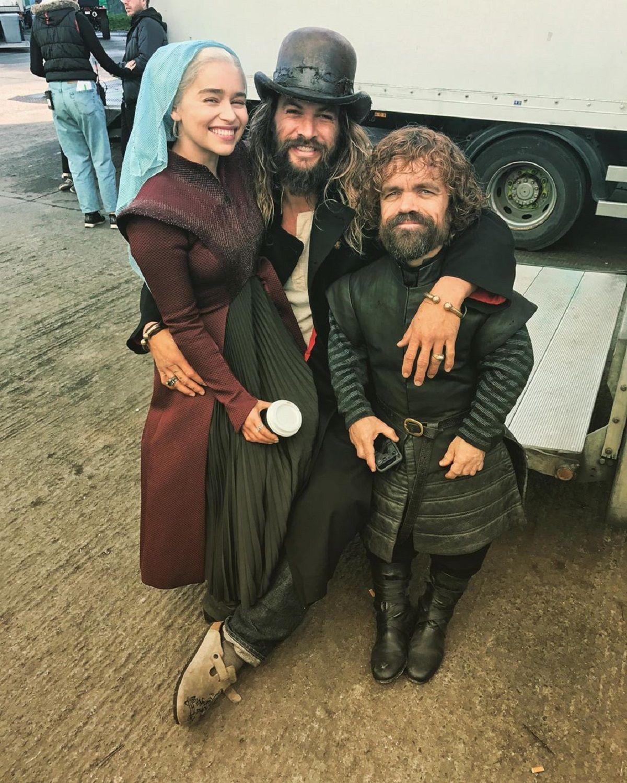 Emilia Clarke culpó a un ex compañero del blooper del vaso de café en una escena de Game of Thrones