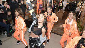 Moda y música: Lali Espósito encendió Palermo con un show en vivo