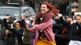 Anne Hathaway y Tina Fey llegan a Amazon Prime Video con Modern Love