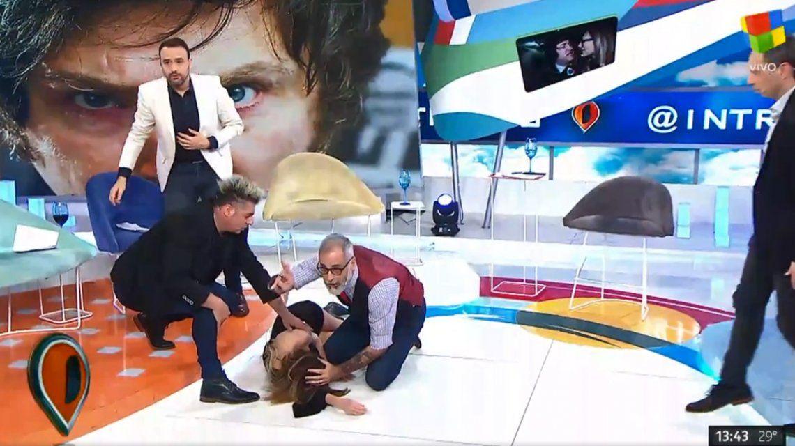 VIDEO: La cantante Daniela se desmayó en vivo