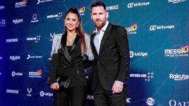 Esmoquin y charreteras: el outfit a la moda de Antonela Roccuzzo para el estreno de Messi10 del Cirque du Soleil