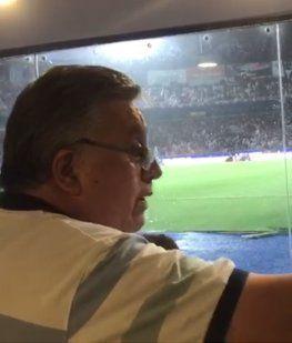 Un músico de Los Palmeras invitó a pelear a un colega en la final de la Copa Sudamericana