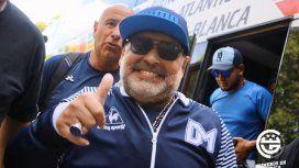 Diego Maradona sigue en Gimnasia y Esgrima La Plata