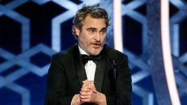 Fuerte discurso de Joaquín Phoenix en los Globo de Oro por el cambio climático: apuntó a la hipocresía de sus colegas