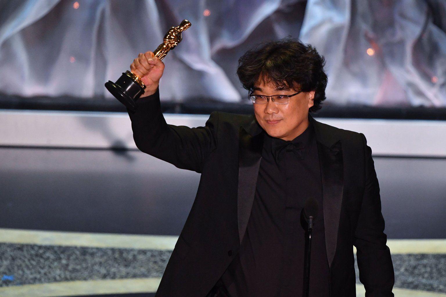 Batacazo de Parasite: se llevó los premios a mejor película, guión y director