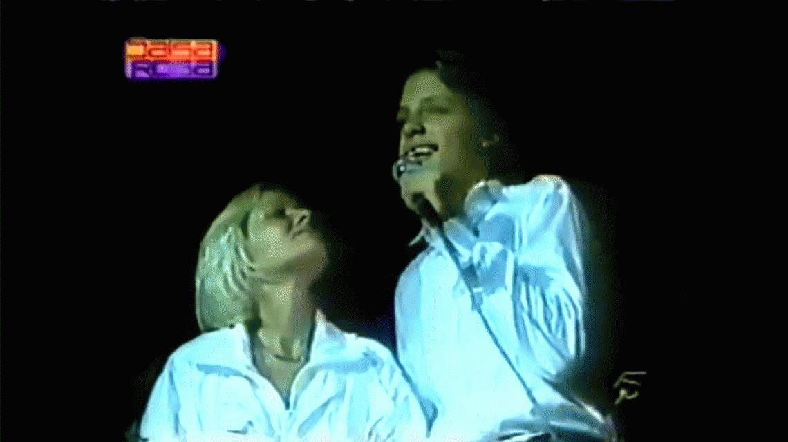 Alerta spoiler: el momento real en el que Luis Miguel le cantó a su madre