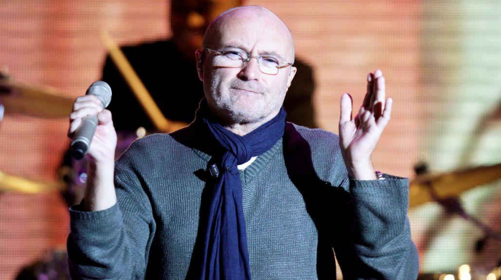 Phil Collins se cayó en una habitación de hotel