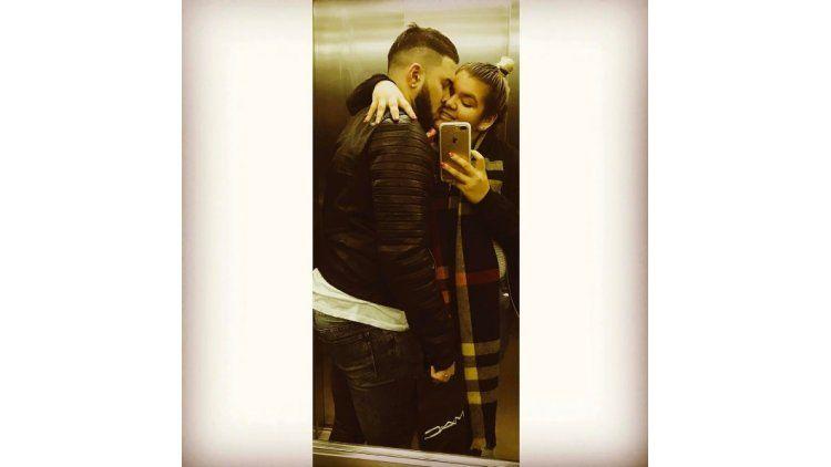 More Rial y su novio se muestran muy enamorados