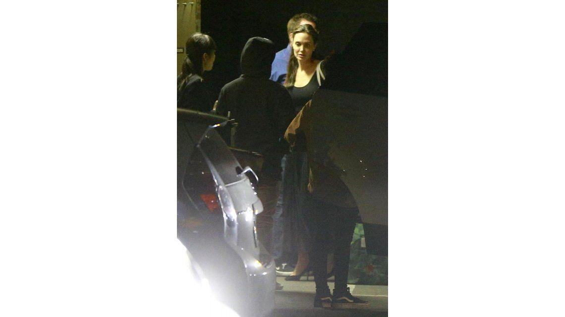 Angelina Jolie se reunió con su padre tras su divorcio de Brad Pitt