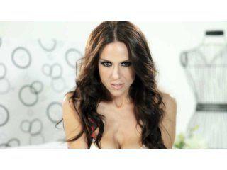 Laura Miller en su videoclip Si me dejas no vale