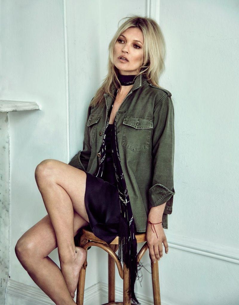Kate Moss posó desnuda a los 43 años
