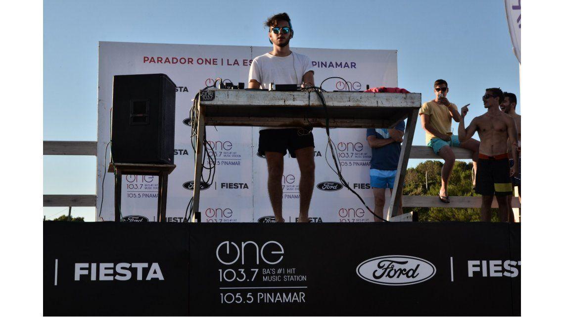 VIDEO: el show de Mariano Santos en el parador de One 103.7