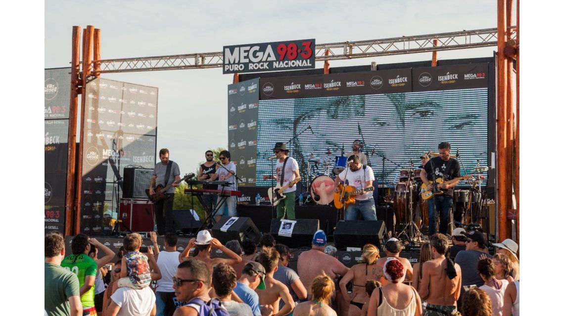 Los Tipitos, Superclásicos, Los Pérez García y Patagonia Revelde tocaron en el #MegaParador de Mega 98.3