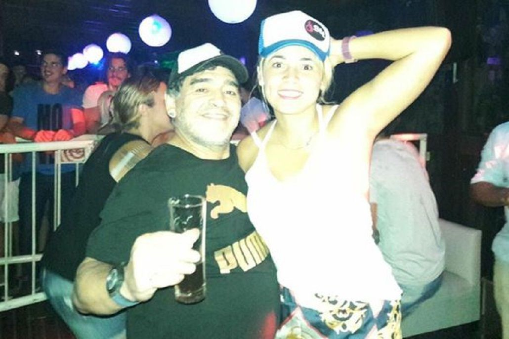 Diego Maradona en San Miguel con su novia Rocío Oliva