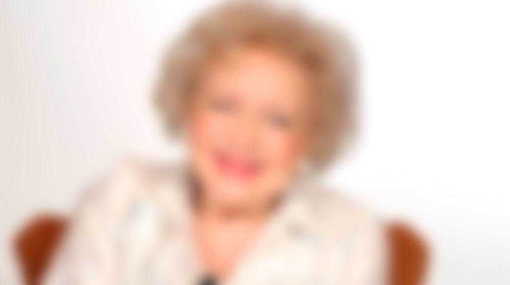 Inician una campaña para salvar a la actriz Betty White de la muerte