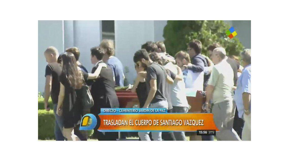 Despidieron los restos de santiago el hermano de nico for Cementerio jardin de paz pilar