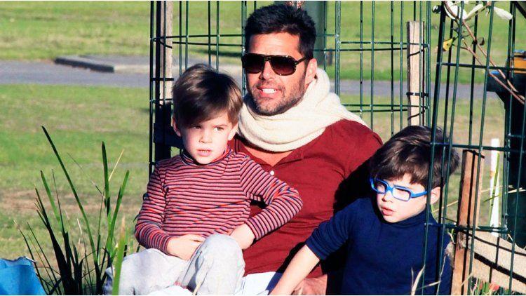 Ricky Martin junto a sus hijos Matteo y Valentino