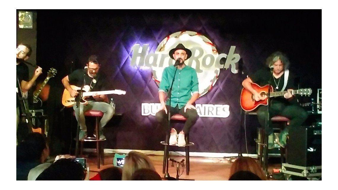 Abel Pintos brindó un show en el Hard Rock Café