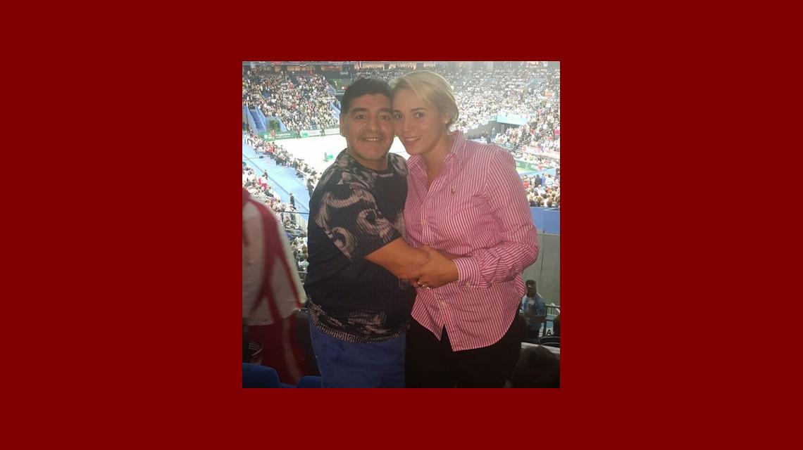 Diego Maradona y Rocío Oliva, en la Copa Davis con un gran regalo de Del Potro