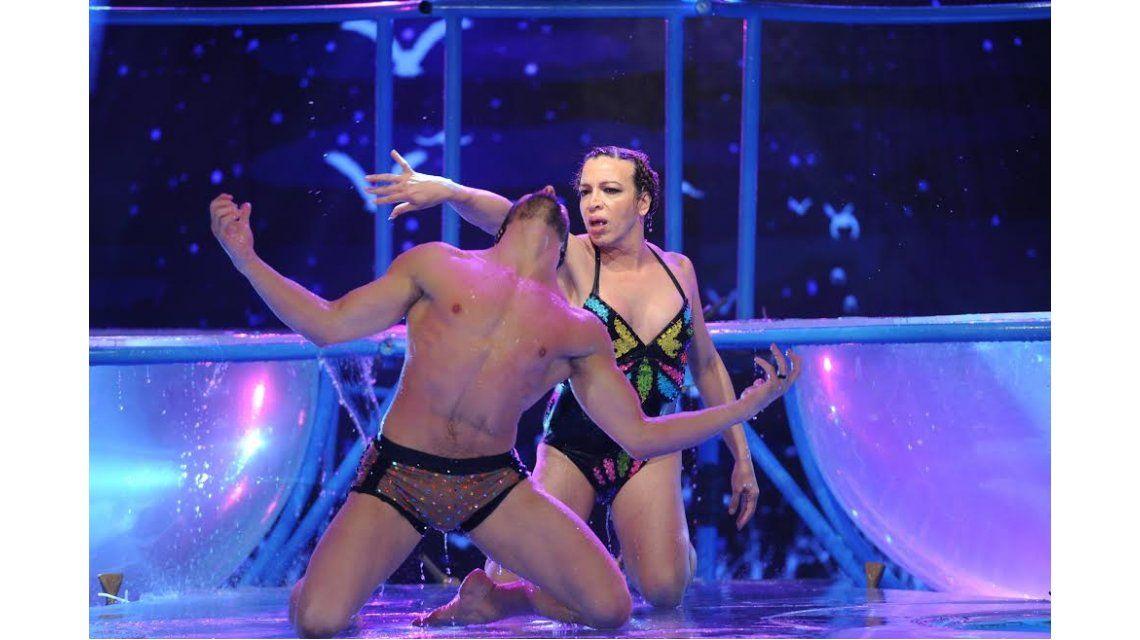 Lizy Tagliani bailó el aquadance en ShowMatch.