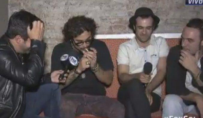 Daniel Osvaldo fumando en una entrevista.