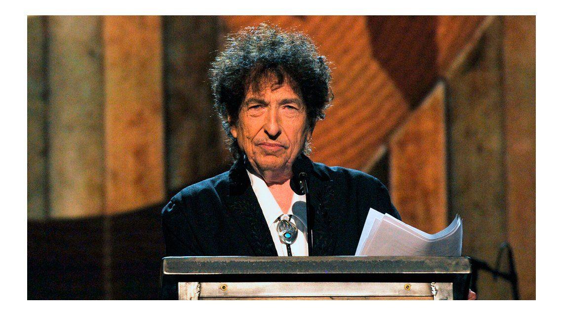Sigue la polémica de Bob Dylan y el Premio Nobel.