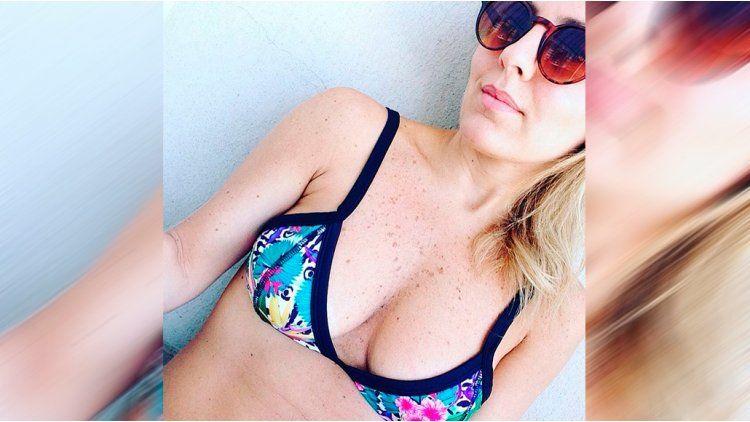 La selfie en bikini de Cora Debarbieri