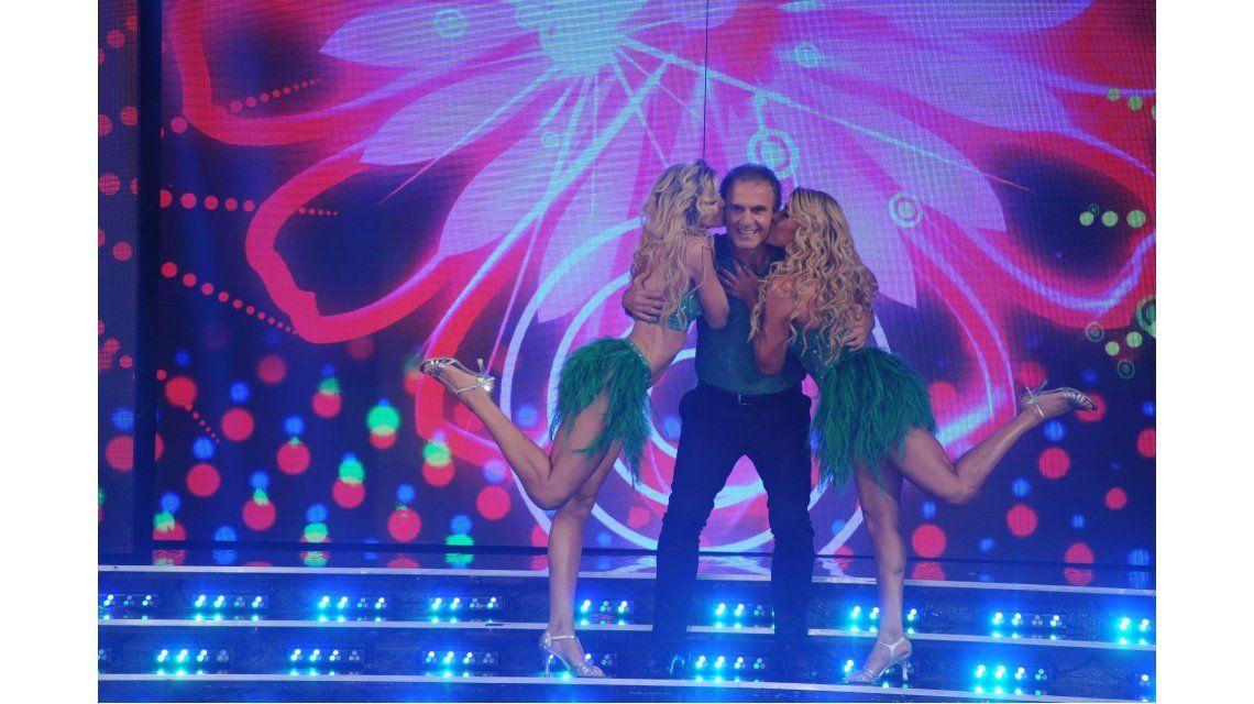 Cande Ruggeri bailó con sus papás y contó una infidencia: ¡Se tocaban la cola!