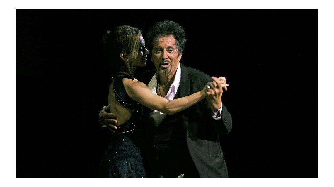 Al Pacino bailando tango en el Colón.