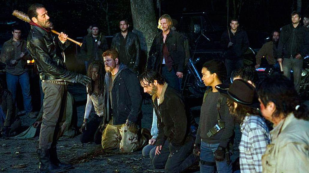 La escena prohibida de The Walking Dead: mirá a quién más mató Negan