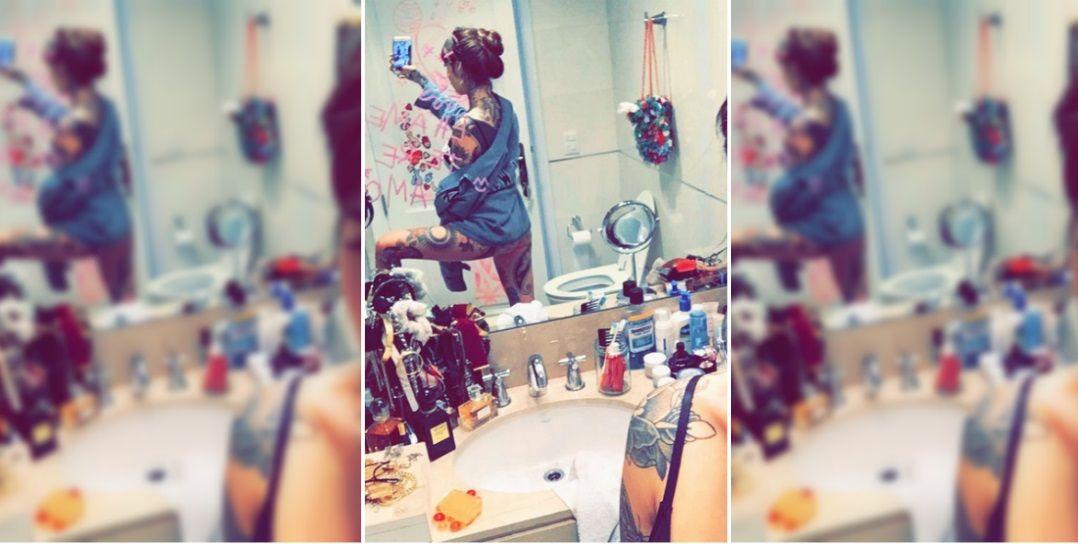 Cande Tinelli mostró el baño de su casa con una foto hot: Perdón por el inodoro