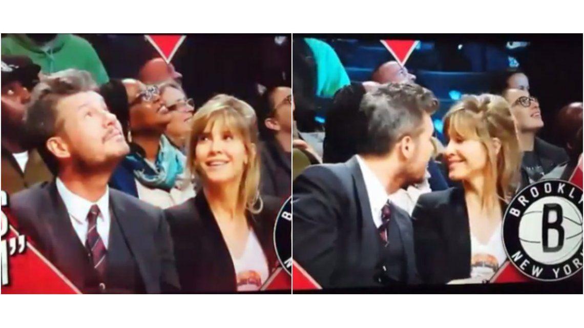 El conductor y su mujer en la Kiss Cam