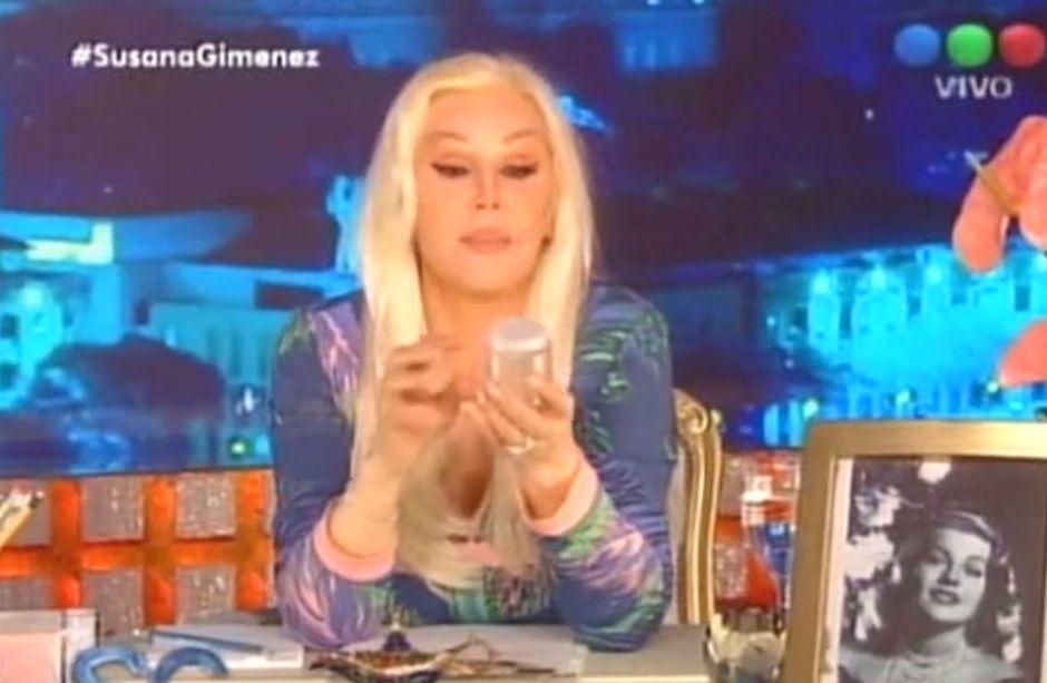 Susana Giménez mostró los cálculos que le sacaron de la vesícula.