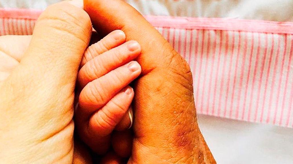 El Cholo Simeone publicó una foto de su hija recién nacida ¡y reveló su nombre!