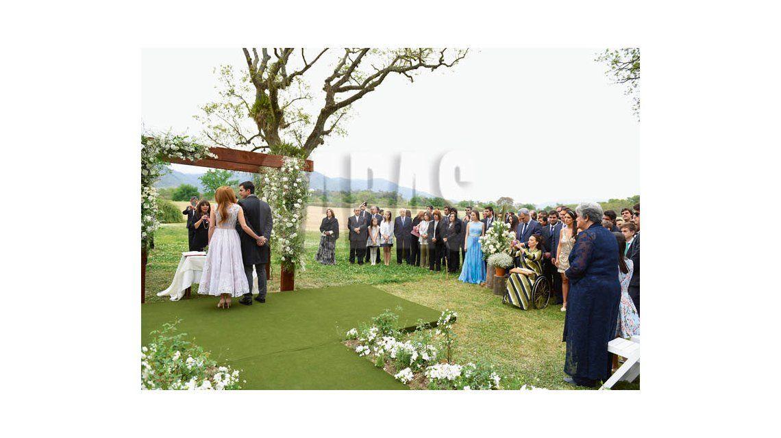 ¡Oficiales! Las fotos más románticas del casamiento de Isabel Macedo y Juan Manuel Urtubey