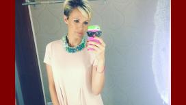 El nuevo look de Denise Dumas que es tendencia mundial: ¡pelo gris!