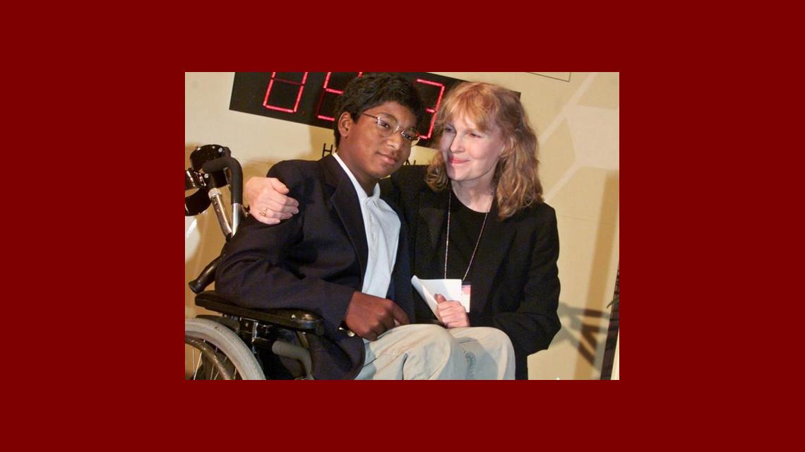 Murió un hijo de Mía Farrow en un accidente automovilístico y crece la hipótesis de suicidio