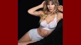 Guillermina Valdes sigue explorando su faceta de modelo: sensual producción