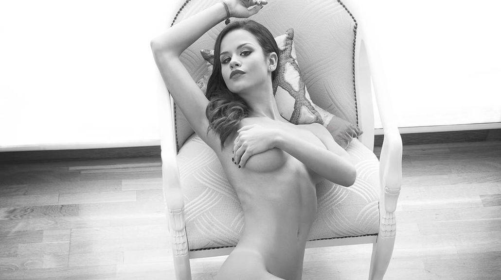 María del Mar encendió las redes sociales con un desnudo en blanco y negro