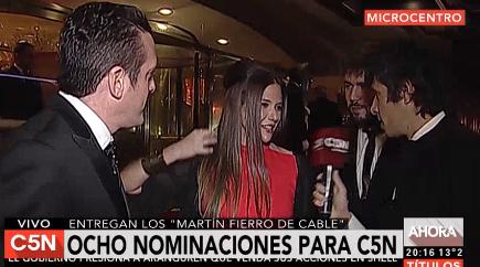 La previa de Roberto Funes en la alfombra roja de los Martín Fierro de Cable 2016: divertida charla con Mauro Szeta, Luciana Rubisnka y Nacho Bulián