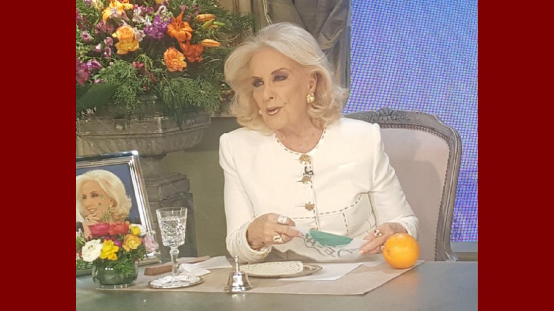 Mirtha Legrand le hizo un reclamo a Amalia Granata: La habíamos invitado pero va a lo de Susana, estoy muerta de celos